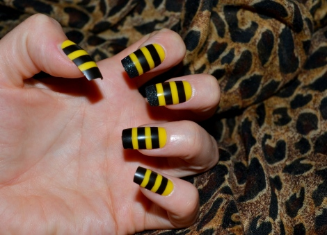 bee themed fancy dress false nails